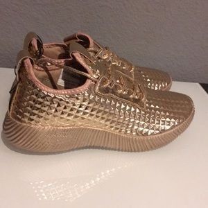 NEW Rose Gold Pyramid Sneakers Tennis Shoes 8